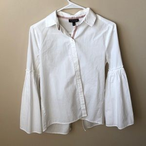 White poplin shirt with flare sleeves and tie